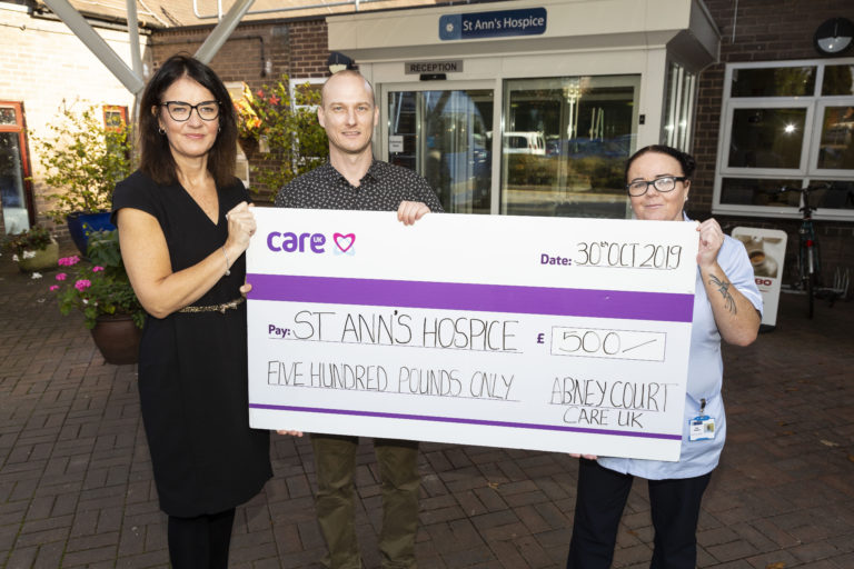 Stockport care home donates to hospice after Coronation Street filming - Marketing Stockport news feed