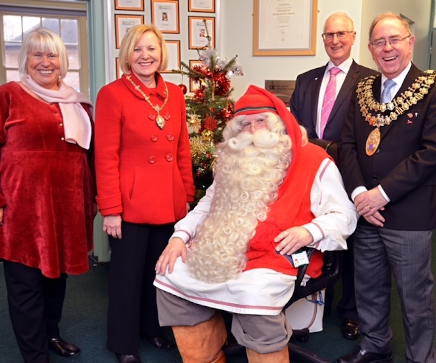 Finnish consul brings 'real' Father Christmas to Seashell