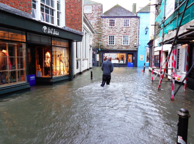 How businesses can deal with flooding